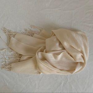 NWOT Women's Classic Pashmina Cream Scarf/Wrap